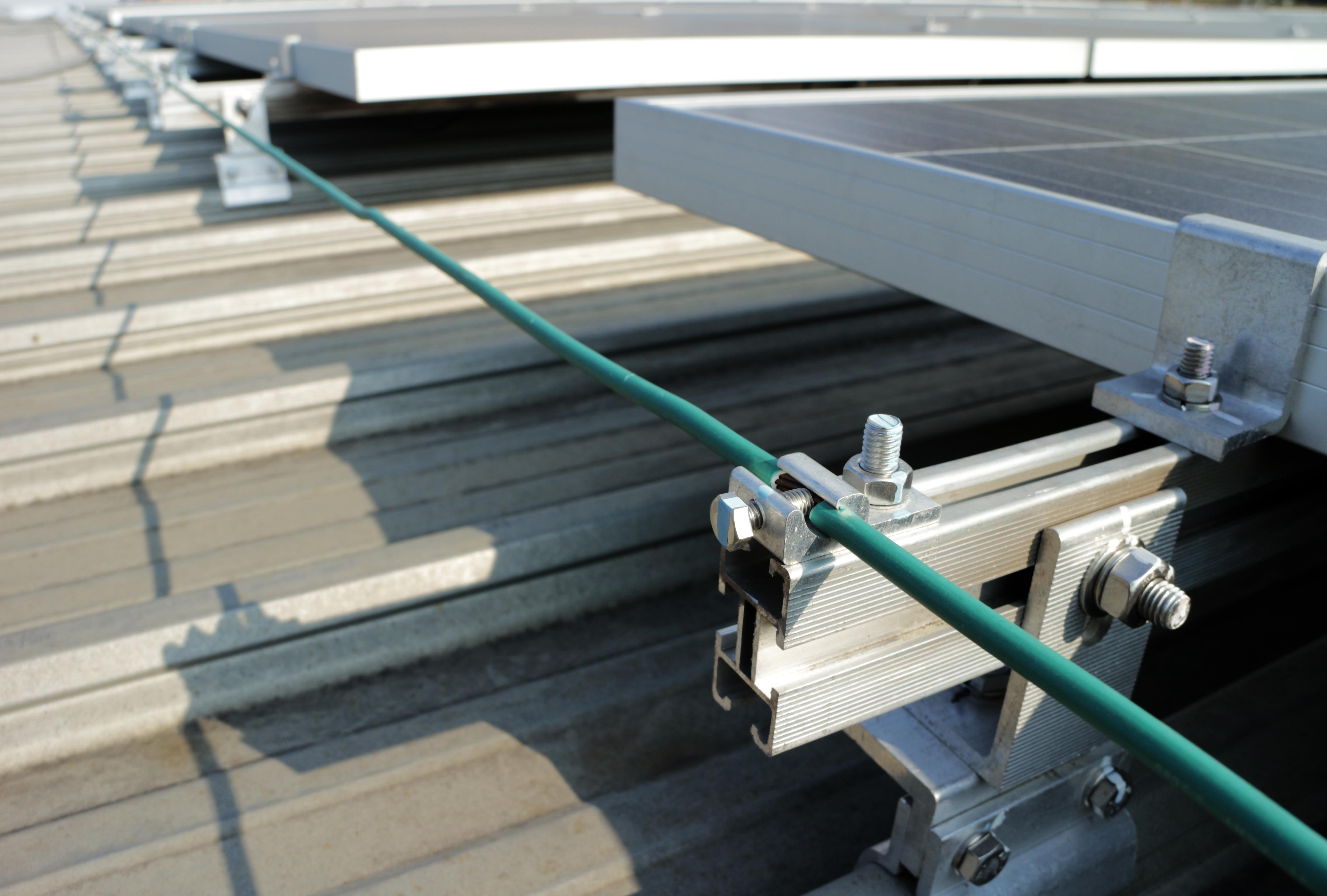 Detalhes do método de montagem da equipotencialização da estrutura de fixação